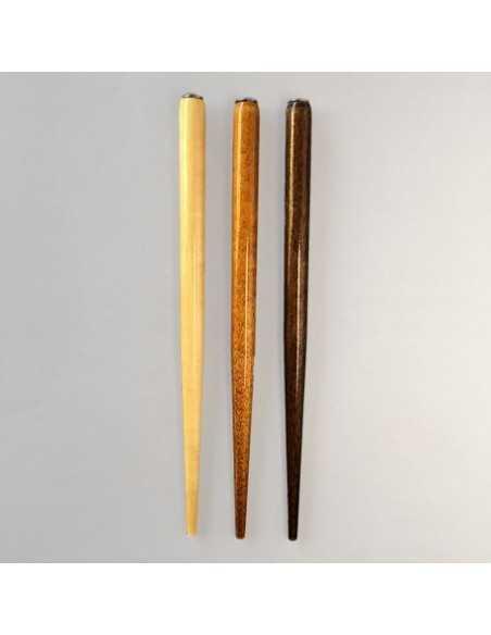 1 porta-pluma en madera